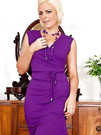 Sophisticated Anilos business woman strips and spreads her..