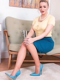 Penny in a lovely mid-century setting gets funky in 60s..