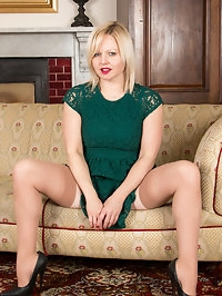Horny housewife Sophie May is a UK bombshell whos..