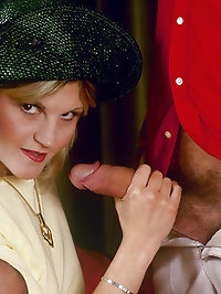 A blonde gives a pretty damm good blowjobs