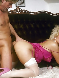 Blonde dirty bitch gets kinky with horny guy