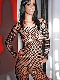Super cutey Naomi enjoys anal love
