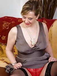 Elegant 45 year old Silky Thighs Lou from AllOver30 gets..