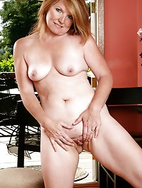42 year old Stacie from AllOver30 posing in and out out of..