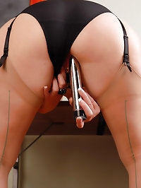 Mature blonde Sally T from AllOver30 prepares for her..