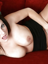 Seductive Anilos Lola Lynn shows her lovely trimmed cougar..