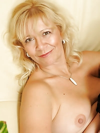 Horny Anilos housewife fucks her sweet pussy hard until..