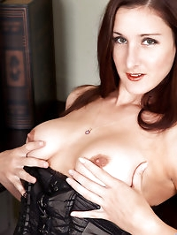Beautiful Anilos cougar spreads her cock craving pussy in..
