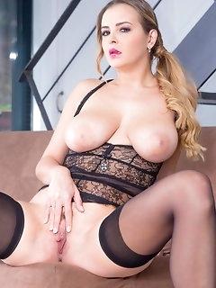 Curvy Porn
